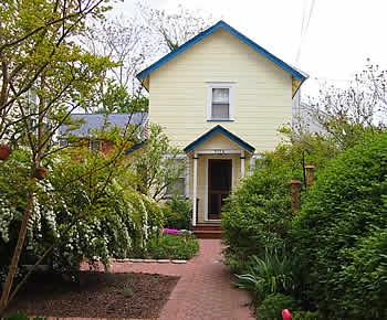 915 1/2 Queen St Cape May